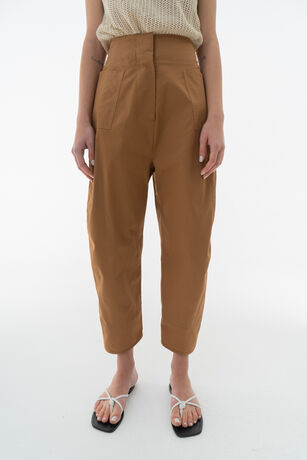 BACK BANDING ROUND FIT PANTS